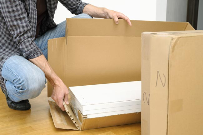 How to pack household items for moving