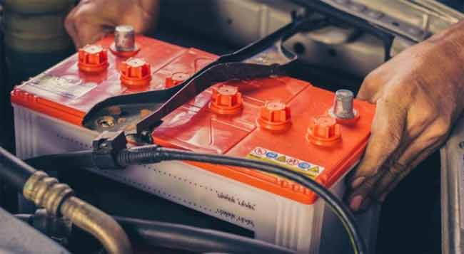 How Many Watts is a Car Battery